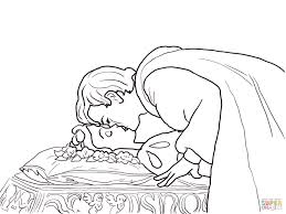 prince kisses snow white coloring free printable coloring pages