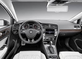стартовали продажи нового многодверного купе Volkswagen Lamando