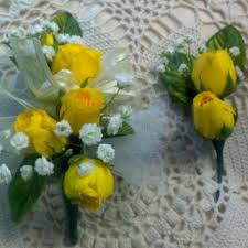 Prom Corsage And Boutonniere Yellow Corsage And Boutonniere Lake Murray Flower Shoppe