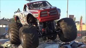 videos de monster trucks 4 4 raminator x mud crushes cars youtube rc adventures wheels