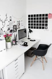 15 cozy monochrome home office decor ideas homadein white and black home office decor with ornamen art and plastic chair