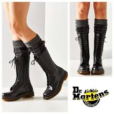 dr martens womens boots size 9 best 25 doc martens black ideas on doc martens doc