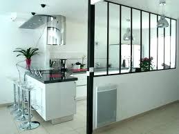 cloison pour cuisine une cuisine ouverte avec porte coulissante vitrace cloison pour