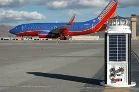 solar powered runway lights hybrid solar lighting airports international the airport
