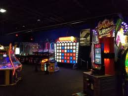 play st louis incredible pizza company south county