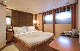 Yacht Bedroom by Yacht Image Gallery New Hargrave Yacht Gigi Ii King Bedroom