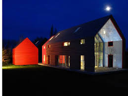 Quaker Barn Home Designs Redesigned Barn House Into Modern Design With Metal Roof Style