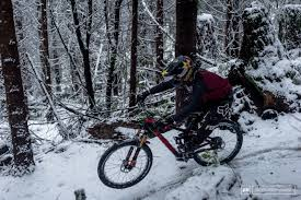 jeep wrangler mountain bike cam visits squamish photo epic pinkbike