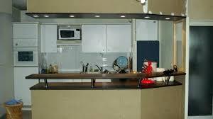 cuisine avec bar pour manger meuble cuisine amacricaine meuble bar cuisine americaine meuble
