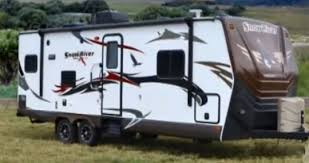 5 top lite trailers with slide outs