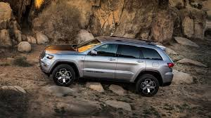 jeep driving away 2018 jeep grand cherokee review u0026 ratings edmunds