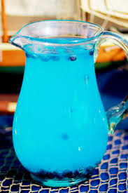 blue cocktails best 25 blue lemonade recipes ideas on pinterest blue drinks