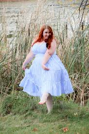 marilyn monroe blue polka dot summer dress