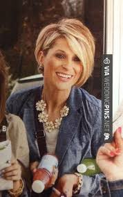 feathered haircuts for round faces round face hairstyles 2015 growing out a pixie hair pinterest