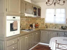 customiser cuisine rustique cuisine rustique relooker cuisine repeindre une cuisine en chene
