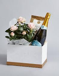 What To Put In A Wine Basket Flower Hampers U0026 Gift Baskets M U0026s