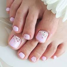 jen cimino why are this girls toe nails so long and then put
