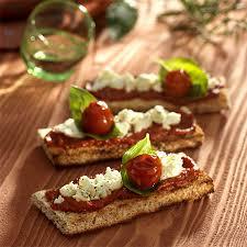 caille sur canapé recette snacking bruschetta à la verdurine et au caillé de brebis