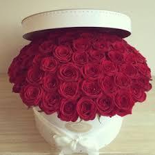 luxury flowers hat box luxury flowers bouquets in london lola flower