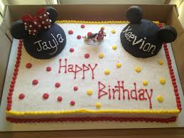mickey amp minnie mouse cake mm head are cake with rk cars mm bow