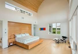 mur de chambre en bois lambris mural en bois dans la chambre en 27 bonnes idées