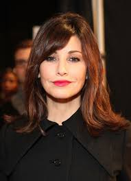 soft hairstyles for women over 50 gina gershon s soft waves medium length hairstyles for women