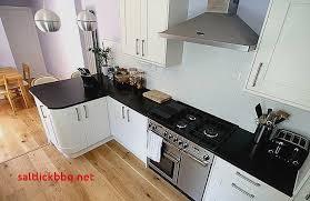 cuisine sol parquet cuisine blanche parquet pour idees de deco de cuisine