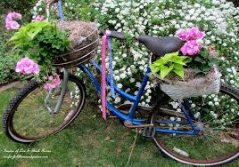 old bikes in the garden upcycle them