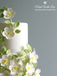 rose and trellis wedding cake detail made with love by me