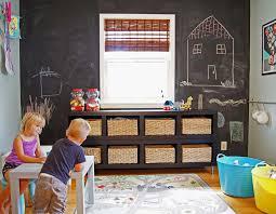 rangement chambre garcon rangement des jouets au design ludique pour une chambre d enfant