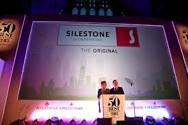 siege social alinea cosentino uk restaurant alinea receives the chefs choice award