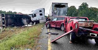 six vehicles involved in i 44 crash saturday local news