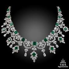 diamond emerald necklace images Harry winston diamond emerald necklace yafa signed jewels jpg