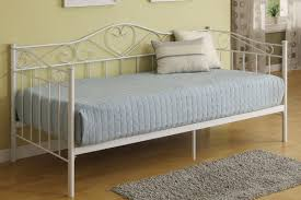 Iron Bedroom Furniture Day Bed Metal Frame With Slats Heart Shaped Accents