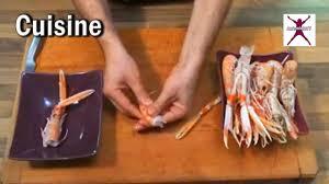 cuisiner les langoustines langoustine crue décortiquer une langoustine crue en vidéo