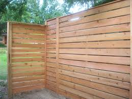 staggered horizontal cedar fence home u0026 gardens geek