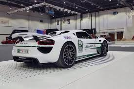 new porsche 918 spyder police add porsche 918 spyder to their supercar fleet