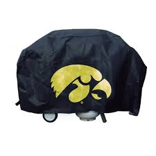amazon com ncaa iowa hawkeyes deluxe grill cover outdoor grill