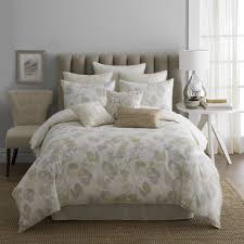 bedroom design ideas comes with floral bed sheet and floral fabric