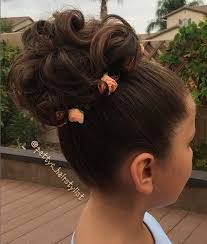 flower girl hair 4 pretty flower girl hairstyles fou you to choose from