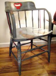Wooden Furniture Paint How To Paint Wood Furniture With An Aged Look How Tos Diy