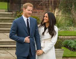 meghan markle flashes her engagement ring from prince harry e news