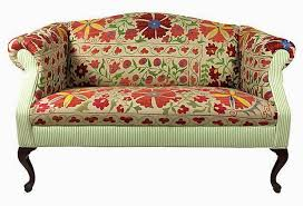 Chippendale Camelback Sofa Slipcovers Eye For Design Decorating With Camelback Sofas