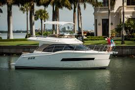 luxury yachts carver yachts