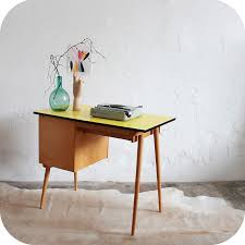 petit bureau vintage d332 mobilier vintage bureau formica jaune citron f atelier du