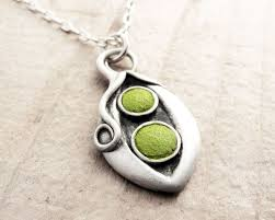 two peas in a pod jewelry 101 best like two peas in a pod images on sweet peas