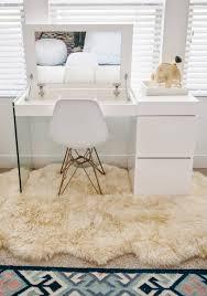 Ikea Vanity Desk 21 Vanity Tables Beauty Junkies Will Love Beauty Junkie Vanity