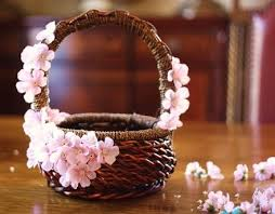 Easter Baskets Decorated With Tulle by Best 25 Flower Basket Ideas On Pinterest Flower Hair