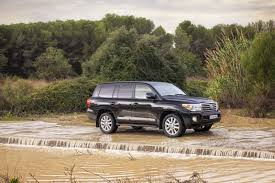 land cruiser off road toyota introduces updated 2012 land cruiser with v8 turbo diesel
