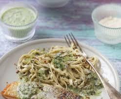 cuisiner l oseille fraiche saumon à l oseille recette de saumon à l oseille marmiton